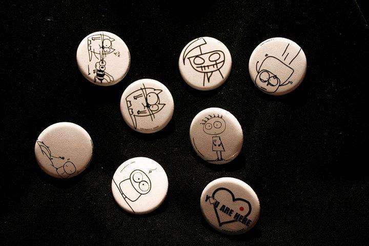 Spilline Camaloon personalizzate con illustrazioni di Bismilla Tetsuja