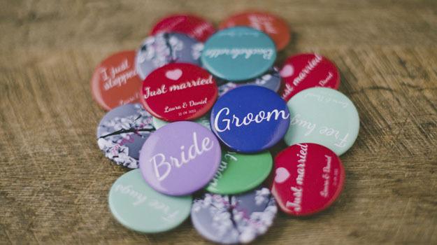 Camaloon Buttons für Hochzeit selbst gestalten