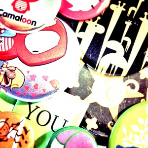 At Camaloon, we offer you low Shipping Costs. Have fun designing your own buttons!